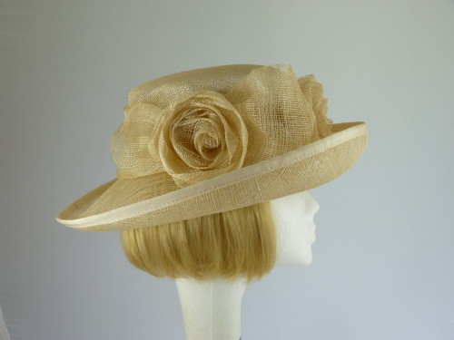Hat Box Ascot hat Cream Three roses