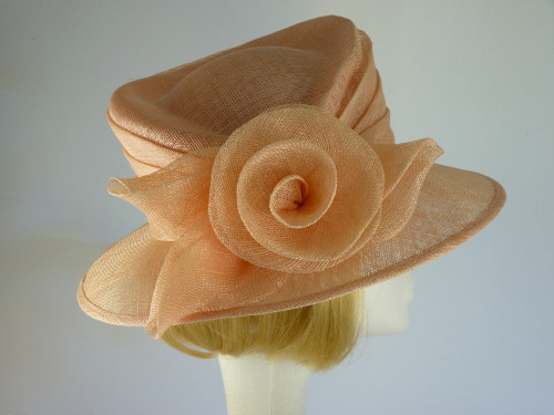 Ascot hat Pale Peach Rose