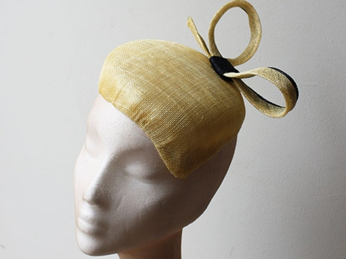 Couture by Beth Hirst Primrose Bow Pointed Percher