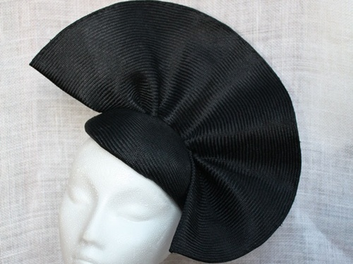 Couture by Beth Hirst Wavy Black Straw Beret