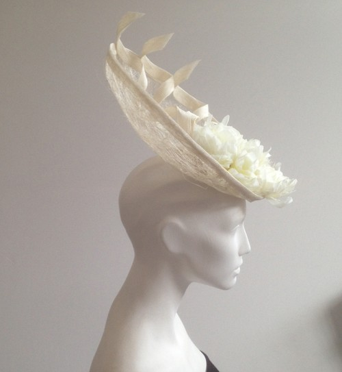 Couture by Beth Hirst Isabel � Ivory Mesh Saucer