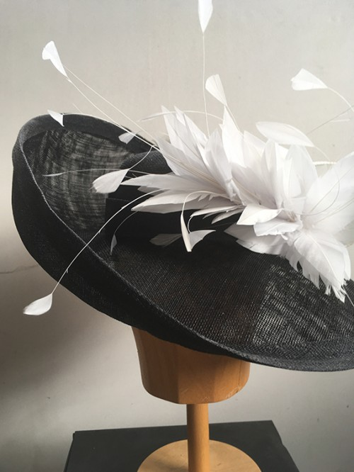 Couture by Beth Hirst Black and White Upturned Brim Shallow Crown Hat