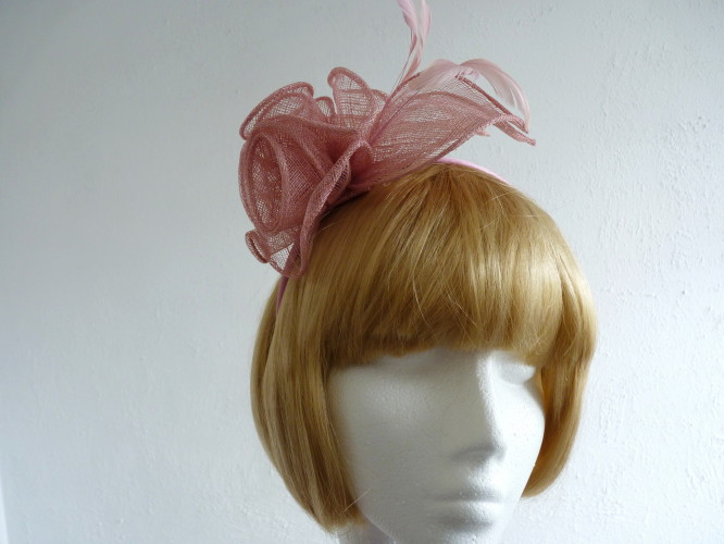 Events fascinator Pale Pink