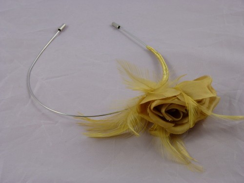 Ellie Gold Fascinator