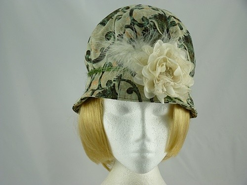Lucy Ascot hat