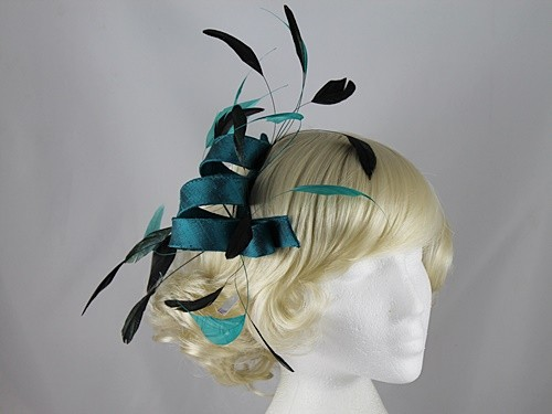 Gwyther Snoxells Teal Fascinator