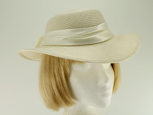 Hat Box Ivory Summer Hat