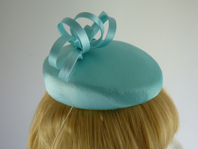 Wedding headpiece Percher in Mid Turquoise