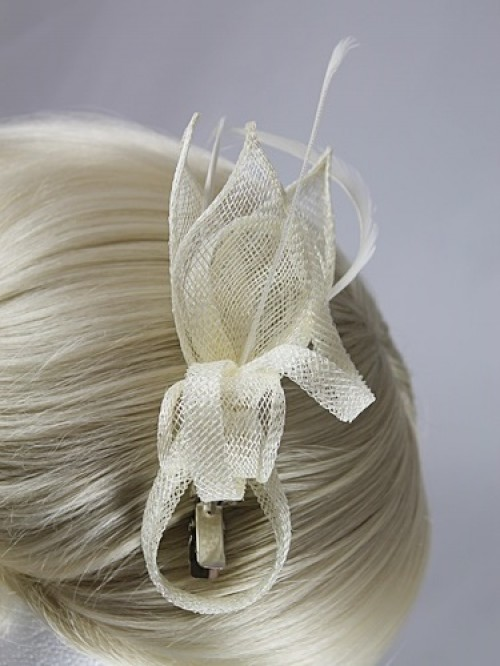 Elegance Collection Small Sinamay Clip Fascinator