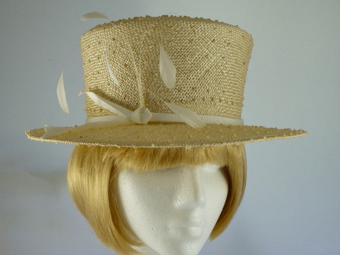 Marida Ladies hat in Cream White