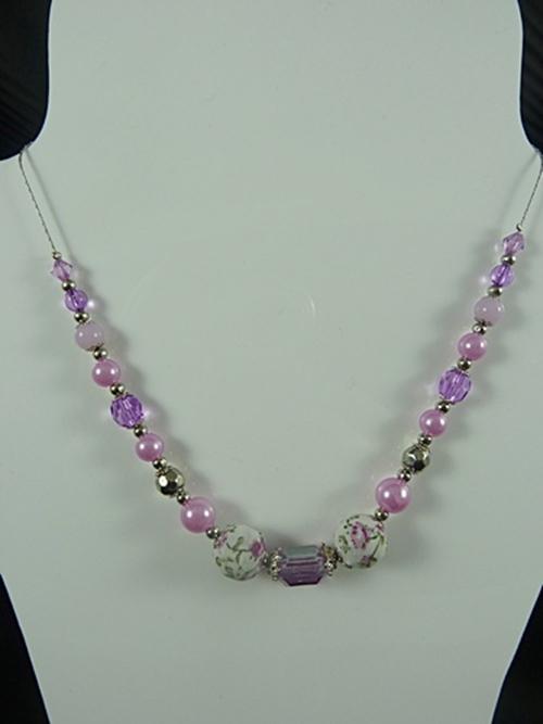 Small Retro Necklace