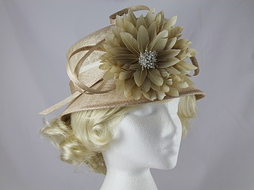 Maddox Flower Hat in Malt