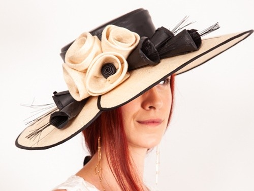 Matthew Eluwande Millinery Holly in Black and Natural
