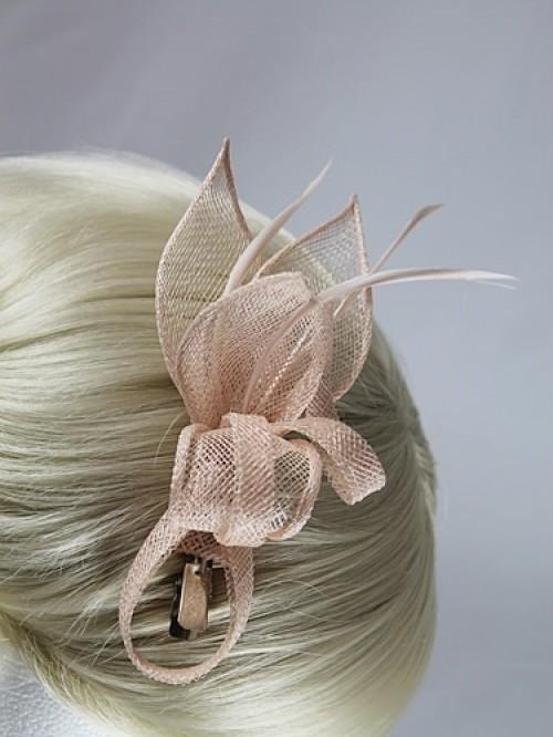 Fascinators 4 Weddings - Elegance Collection Small Sinamay Clip ... 1c15ec73b14