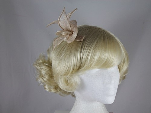 Elegance Collection Sinamay Small Leaves Fascinator in Oyster