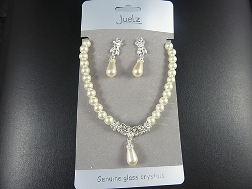 Pearl Necklace & Earrings Set with Crystal Leaves