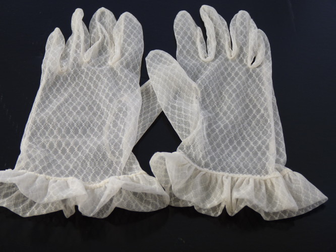 Wedding Gloves White Frill