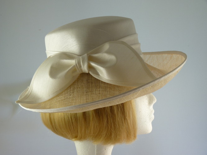 Wedding hat Ivory White
