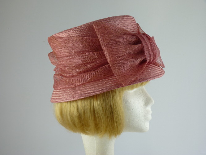 Wedding hat Mid Pink with bow
