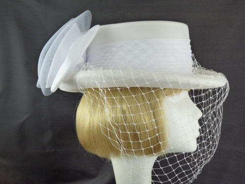 Wedding hat Topper in White