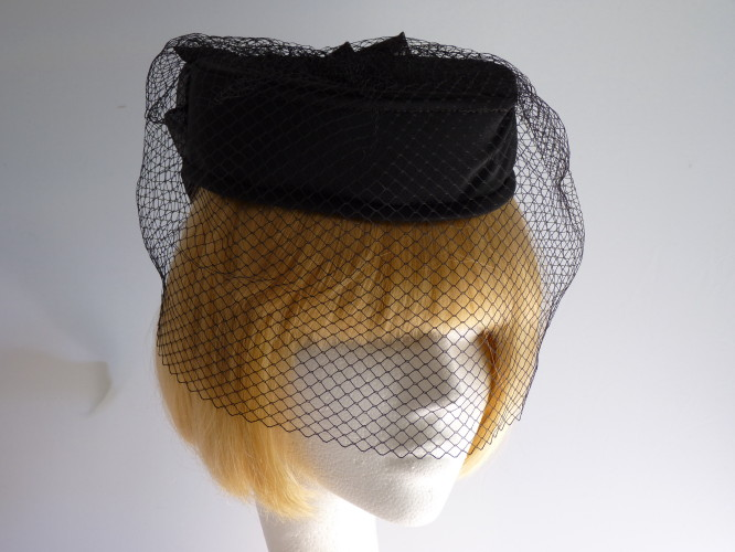 Wedding heaspiece Black with Veil
