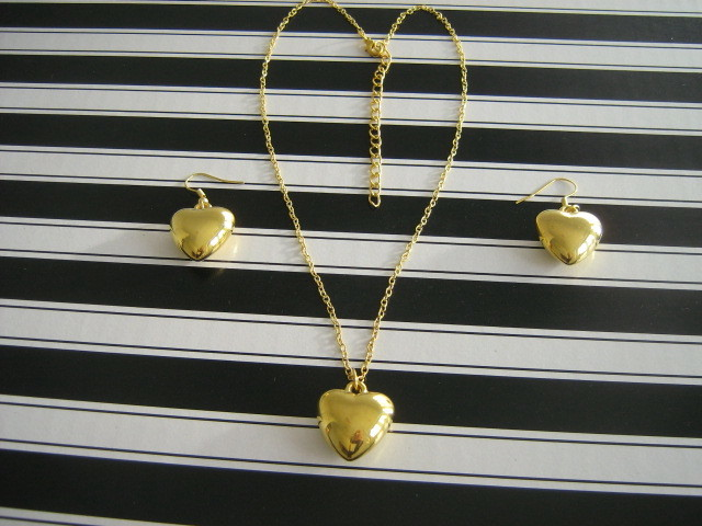 Wedding necklace Hearts