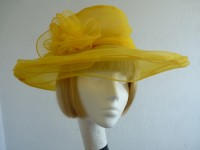 Wedding Hat Jilly in Yellow
