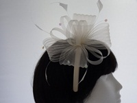Fascinator in White and Ivory