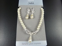 Pearl Necklace & Earrings Set
