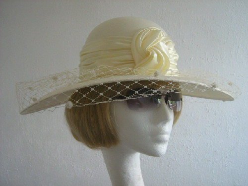 Fashion Line Ascot hat / Formal hat Lemon