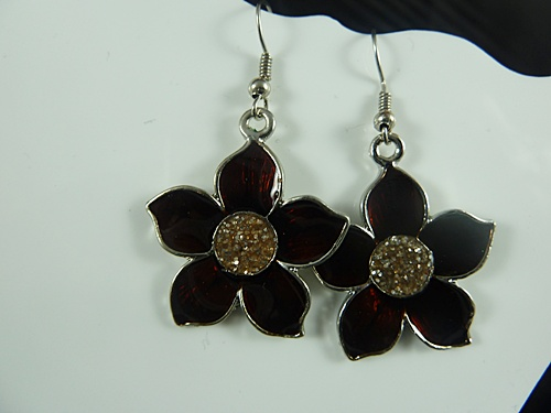 Triple Flower Necklace with Earrings