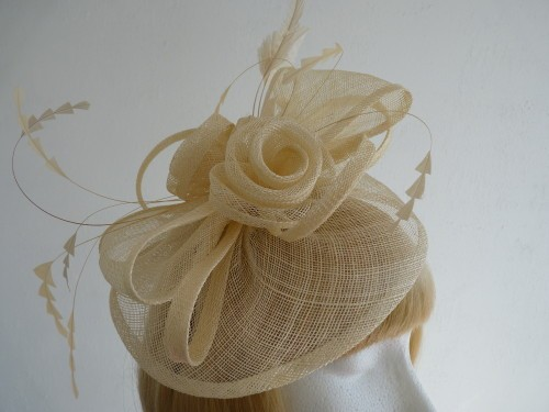 f1f505525c09b Price: £39.99 plus delivery. Product has been sold. 1 / 2. Fascinator saucer  in Cream