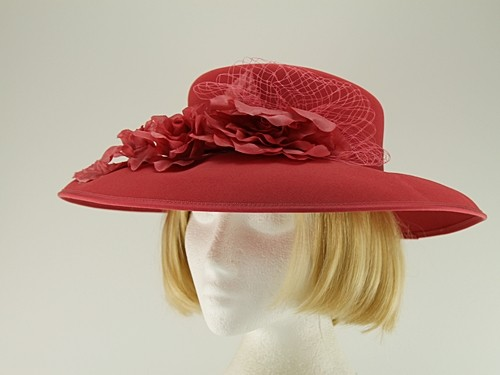 Eastex Coral Wedding Hat