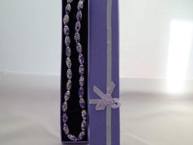 Necklace Purple and White bead