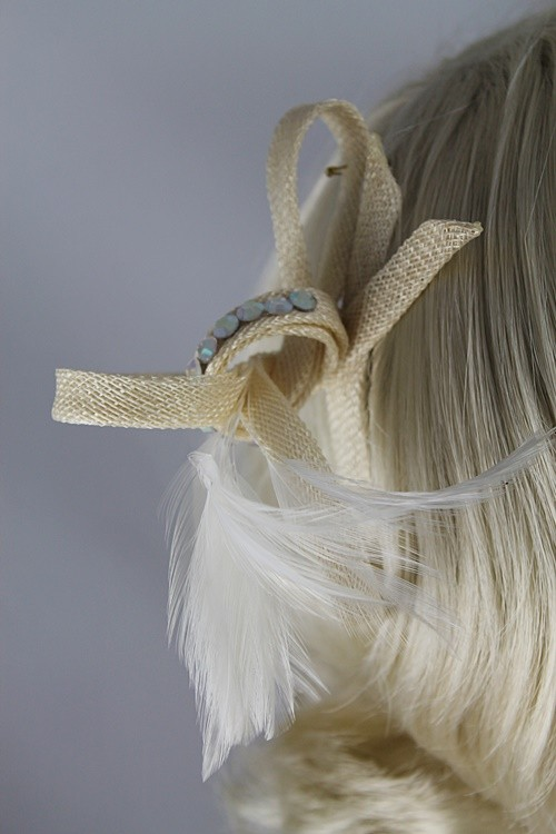 Small Cream Loops Fascinator