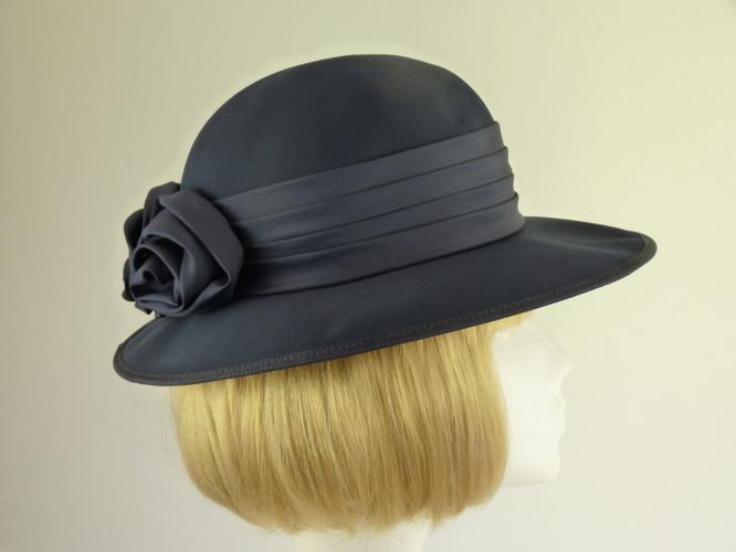 Wedding hat Navy roses