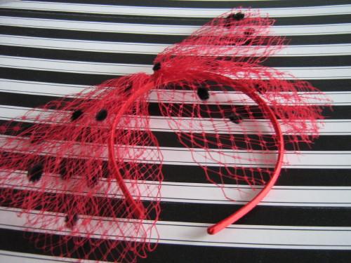 Wedding fascinator red and black