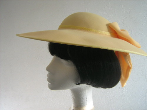 Cappelli Condici Ascot hat / Formal hat Lemon